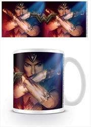 Wonder Woman - Pose | Merchandise