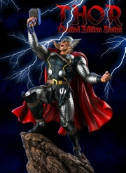Thor - Thor with Interchangeable Head Limited Edition 1:6 Scale Statue | Merchandise