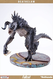 Fallout - Deathclaw Statue