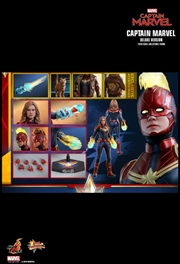 "Captain Marvel 12"" Dlx Action"