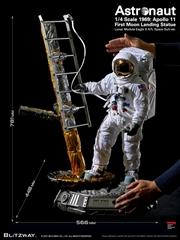 Astronaut - Apollo 11 1st Moon Landing 1:4 Scale Statue   Merchandise