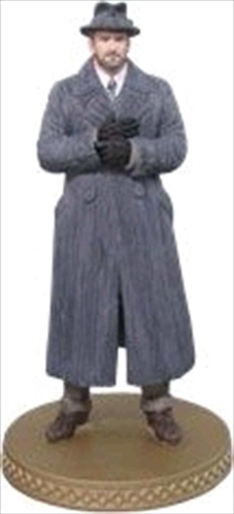 Fantastic Beasts 2 The Crimes of Grindelwald - Albus Dumbledore 1:16 Figure & Magazine | Merchandise