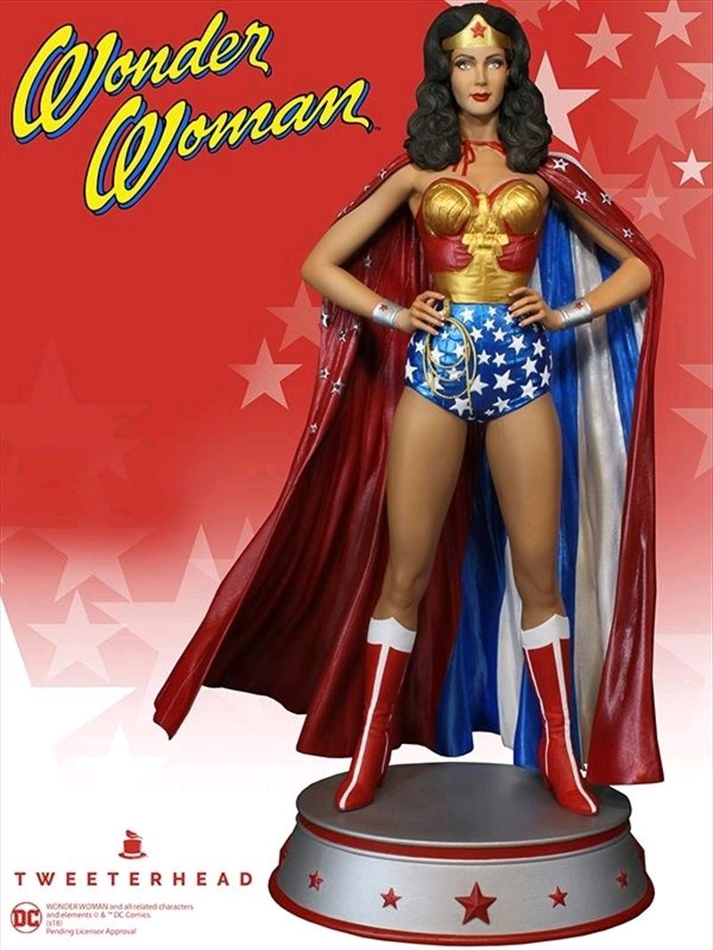 Wonder Woman - Cape Variant Maquette | Merchandise