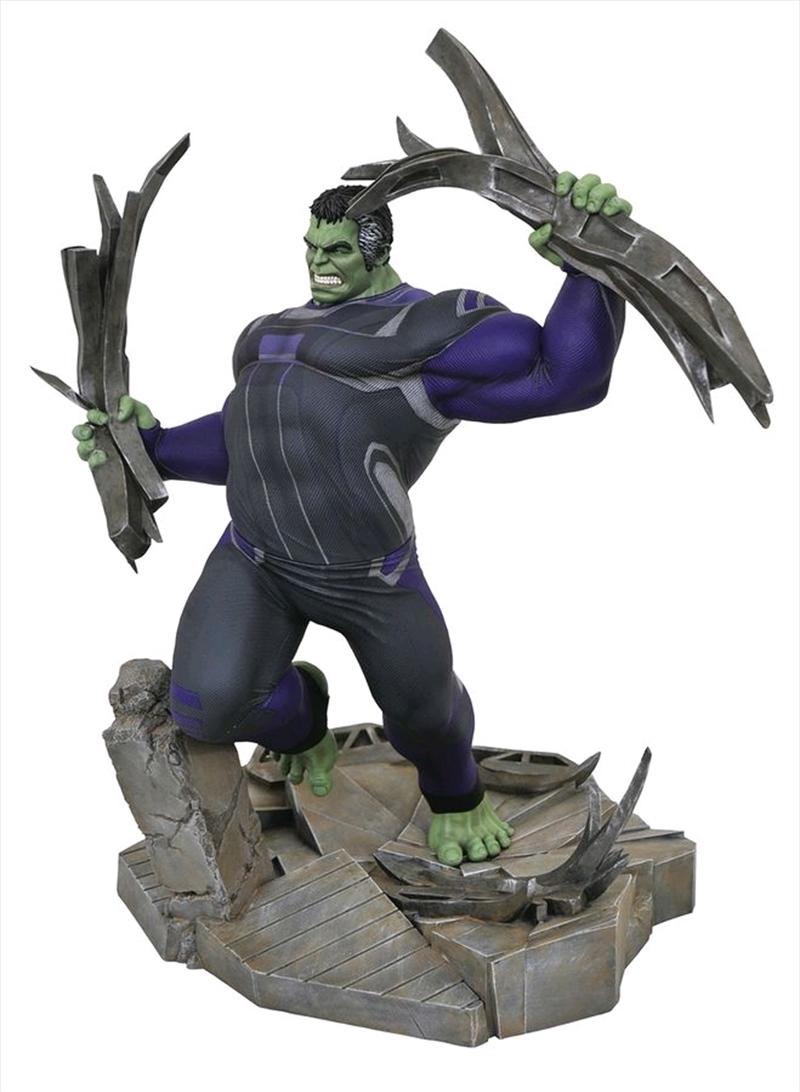 Avengers 4: Endgame - Hulk Tracksuit Deluxe Gallery PVC Statue | Merchandise