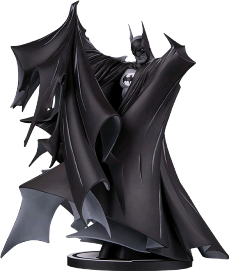 Batman - Batman Black & White by Todd McFarlane Deluxe Statue   Merchandise